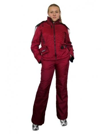 Стильные горнолыжные костюмы женские